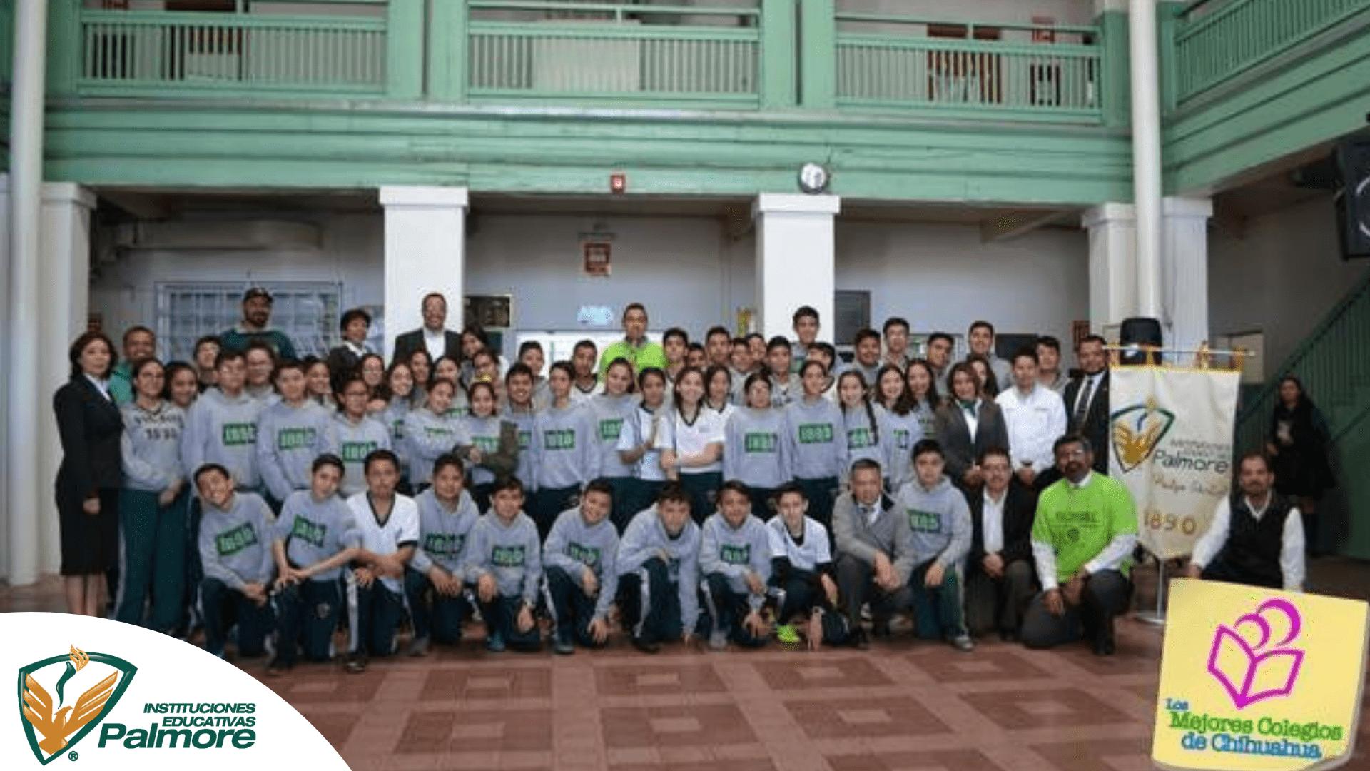 ABANDERA SUBDIRECTOR DE CULTURA FÍSICA A LA DELEGACIÓN CHIHUAHUA